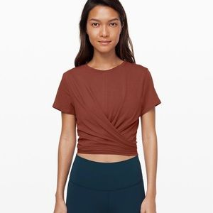 Lululemon time to restore crop top